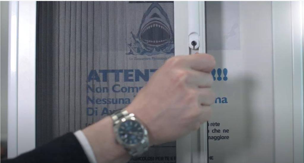 come funziona una zanzariera plisssettata SharkNet